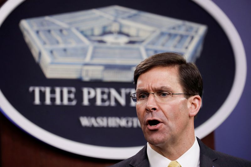 © Reuters. FILE PHOTO: U.S. Defense Secretary Mark Esper and Britain's Secretary of State of Defence Ben Wallace joint news confernce