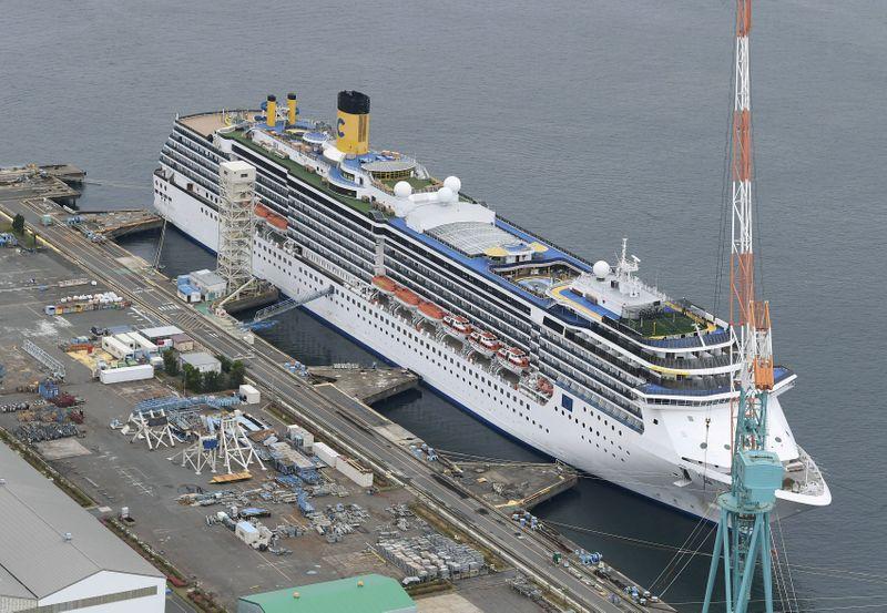 © Reuters. sAn aerial view shows Italian cruise ship Costa Atlantica in Nagasaki, Japan
