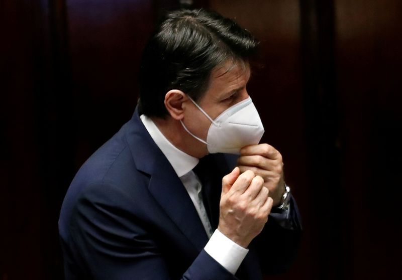 © Reuters. FILE PHOTO: Italian Prime Minister Giuseppe Conte attends a session of the lower house of parliament on the coronavirus disease (COVID-19) in Rome