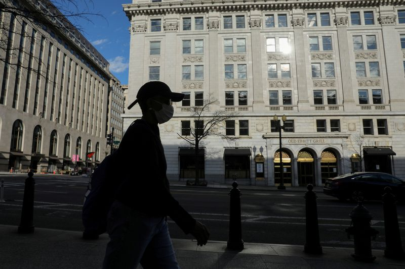 U.S. will cap how much each bank can lend under emergency coronavirus program: memo
