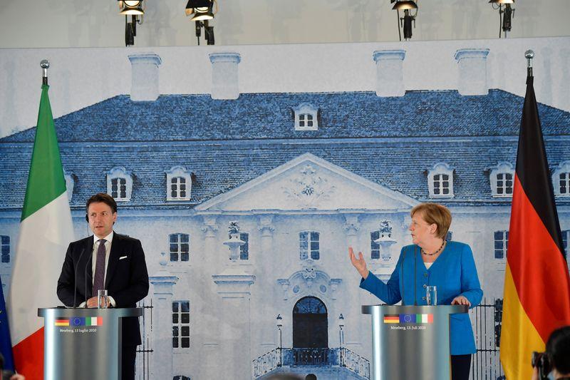 © Reuters. German Chancellor Merkel meets Italian PM Conte in Meseberg