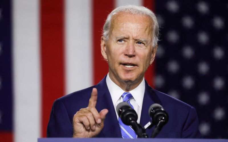 © Reuters. FILE PHOTO: Democratic U.S. presidential candidate Biden speaks at campaign event in Wilmington, Delaware