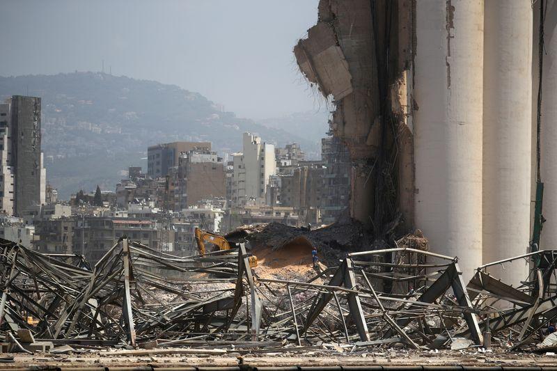 نظرة فاحصة- من هو مالك شحنة الكيماويات التي انفجرت في مرفأ بيروت؟ سؤال بلا جواب