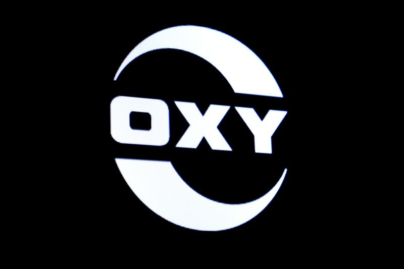 Occidental to pay dividend to Buffett's Berkshire in cash, not stock