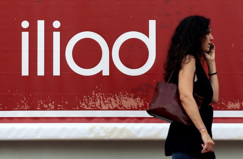 © Reuters. LA COMMISSION SE DÉCIDERA D'ICI LE 26 OCTOBRE SUR LE RACHAT DE PLAY PAR ILIAD