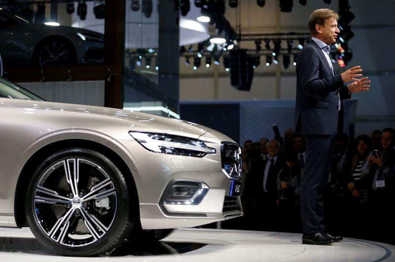 © Reuters. FILE PHOTO: The 88th Geneva International Motor Show