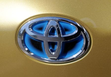 GM, Toyota employees to keep masks on in Texas even as state lifts mandate