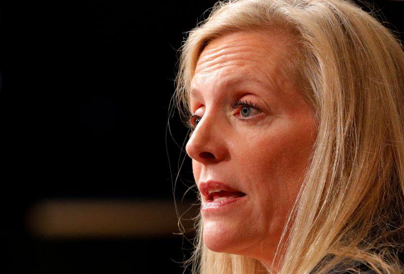 Представители ФРС акцентируют внимание на терпении по мере улучшения перспектив экономики