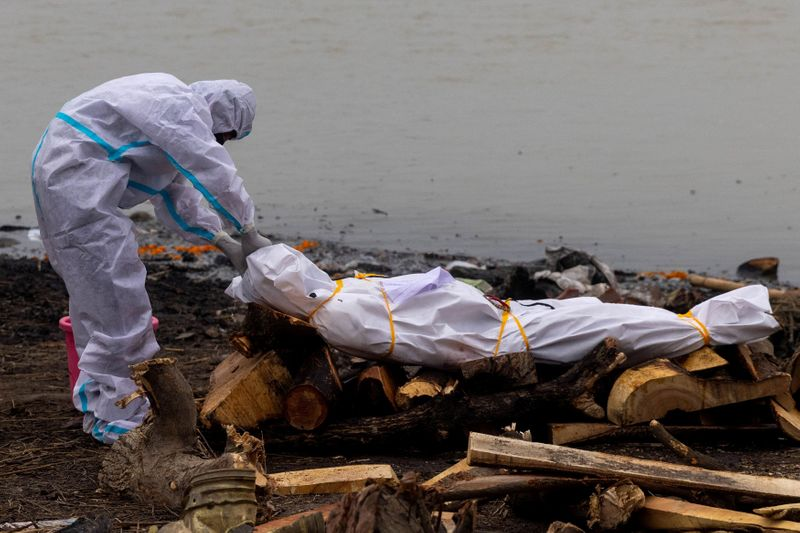 Bodies of COVID-19 victims among those dumped in India's Ganges - government document