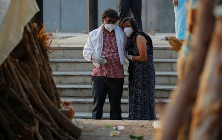 India records more than 4,000 daily COVID-19 deaths By Reuters
