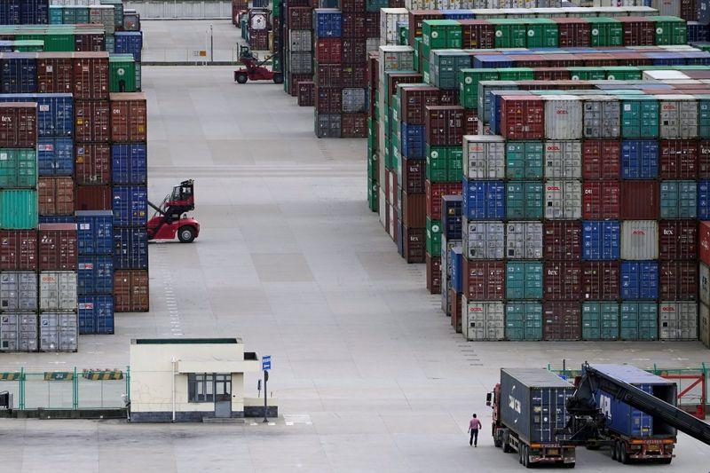 Chine: ralentissement de la production industrielle et des ventes au détail