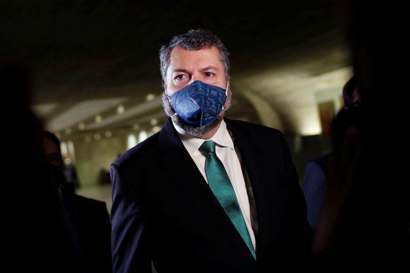 Presidente da Comissão de Relações Exteriores acusa Araújo de omissão e pede correspondências