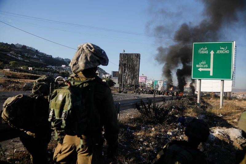 Biden tells Netanyahu he wants 'de-escalation' of Israel-Gaza fighting