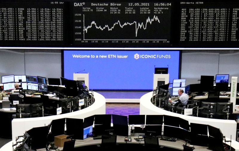 European stocks fall as inflation concerns mount