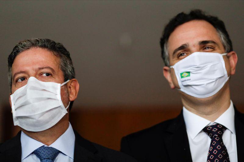 Presidentes do Senado e da Câmara discutem cronograma de reforma tributária com ministra Flávia Arruda
