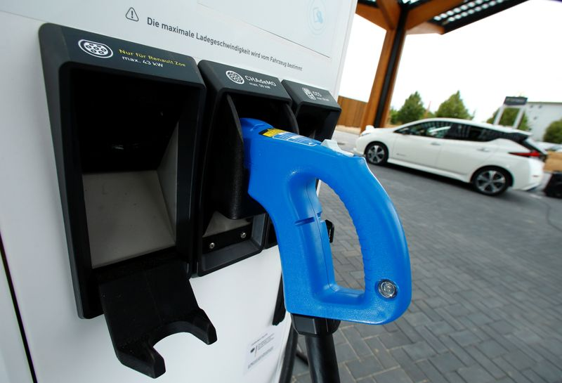 Fastned, Tesla to power up Oxford with EV charging superhub