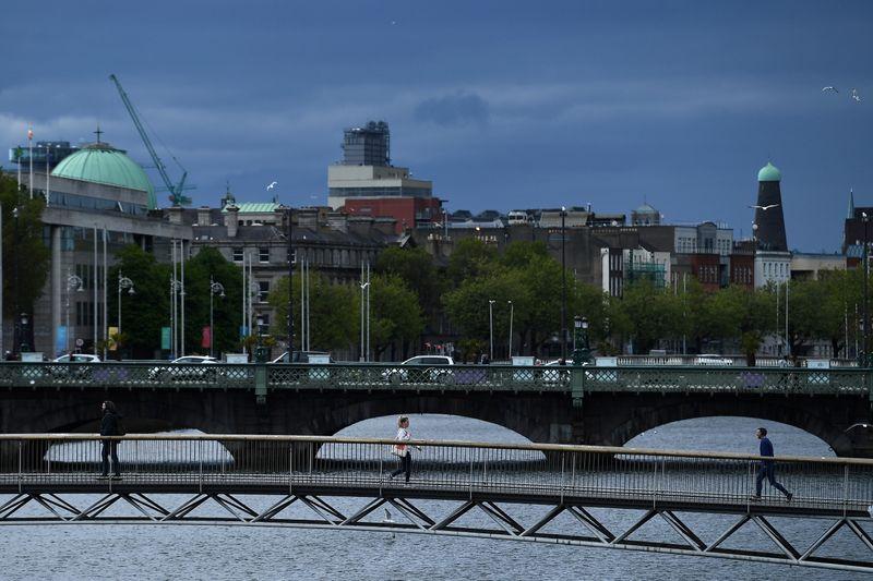 L'Irlande soulève la perspective d'un retour plus précoce aux voyages à l'étranger