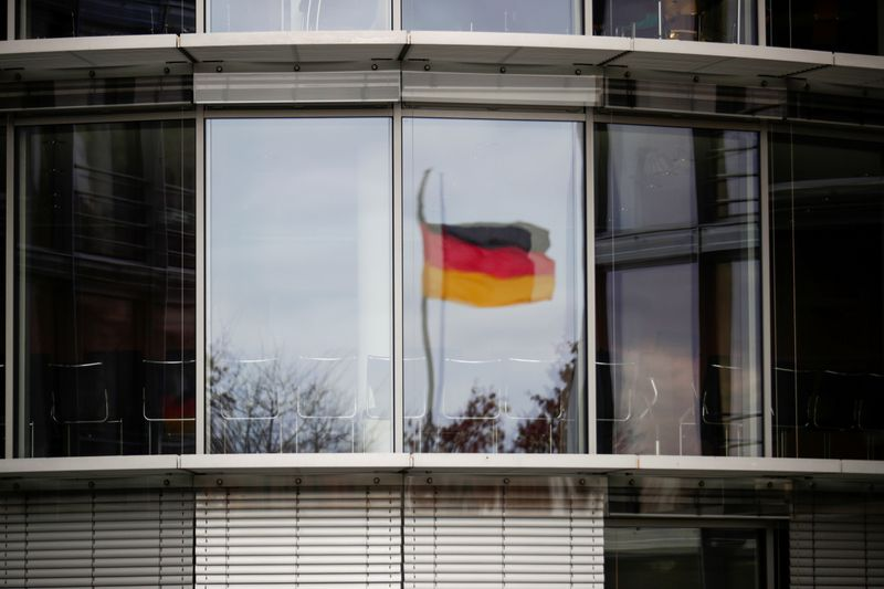 German economy could leave pandemic behind in autumn, Bundesbank says
