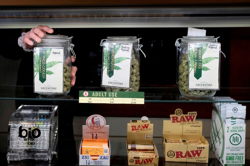 U.S. pot sellers stash cash as banks leave them high and dry