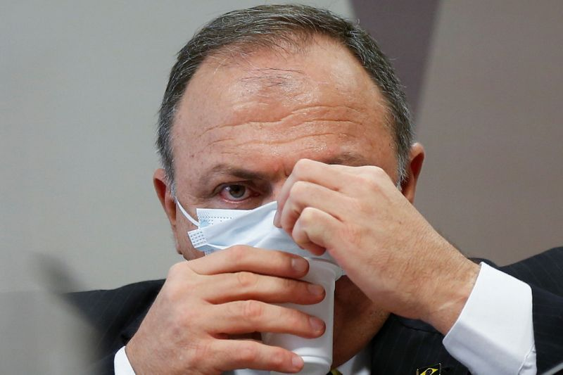 Pazuello pode ir para reserva para atenuar provável punição, diz Mourão