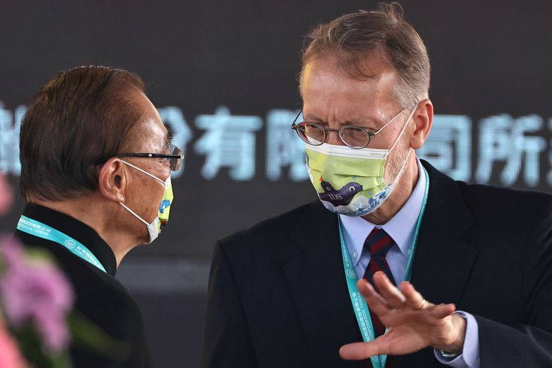 U.S. says it is confident Taiwan can control COVID, in talks on vaccines