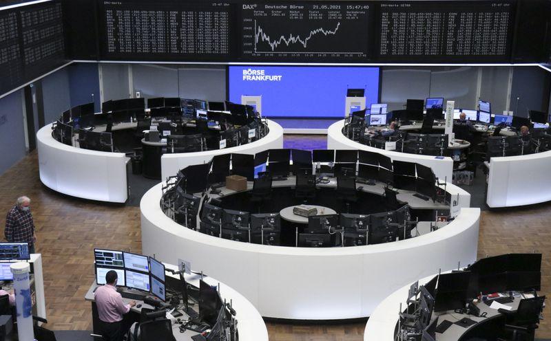 European stocks flat as banks falls offset travel and leisure gains