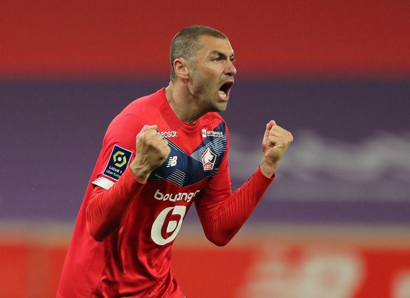 Lille remporte le derby et file vers le titre