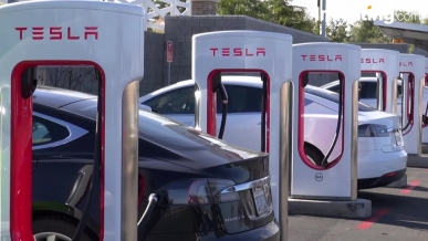 Musk anuncia una nueva versión del Tesla Model 3, que costará el doble