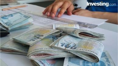 Amerikan doları, Türk Lirası karşısında dar alanda seyrediyor